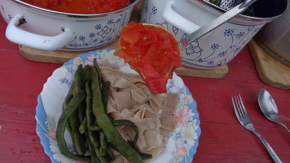 Bandnudeln selbst machen – Nudeln mit Bohnen und Tomaten
