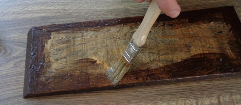 Garderobe bauen – Holz einkleistern