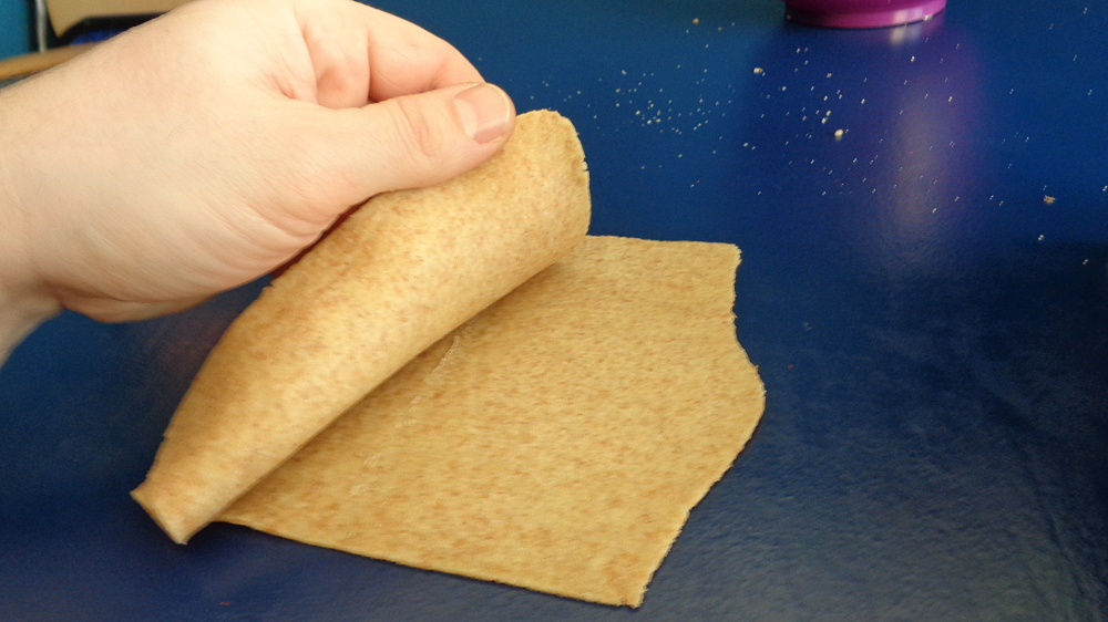 Lasagne zur Einführung in die Nudelmaschine – Teigplatte doppelt legen