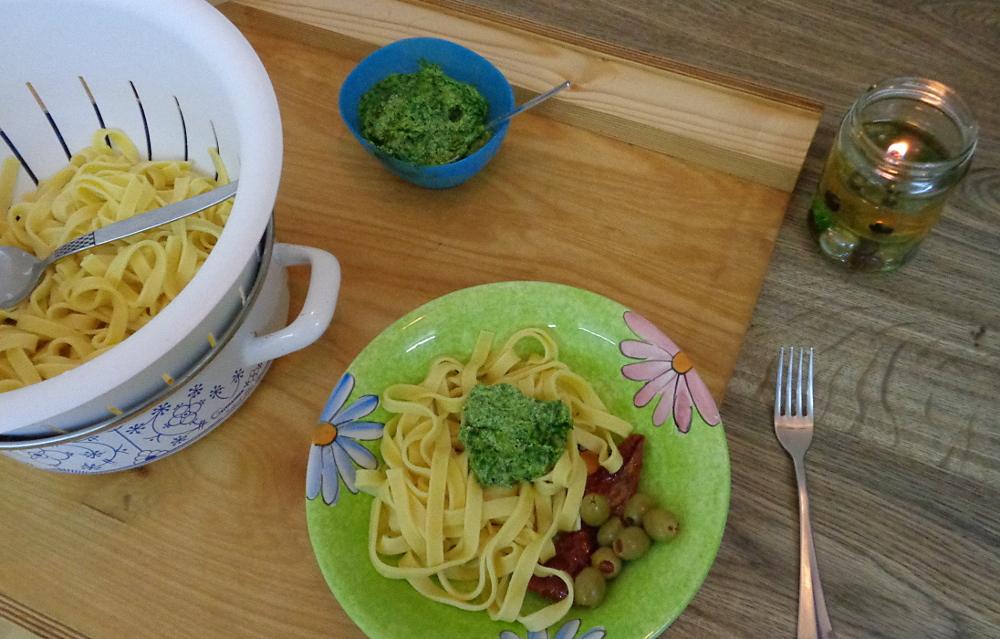 Bissfeste Nudeln mit Eiern und Hartweizengrieß – Auf dem Teller
