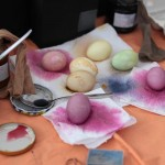Rezepte und Anwenderhinweise – Eier mit Naturmaterial färben